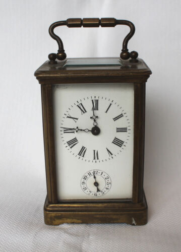 A vintage clock working condition.
