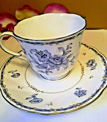 English Collectables Vintage Fine China Hand Painted Made In England Souvenir Ware Fine Crafted Porcelain