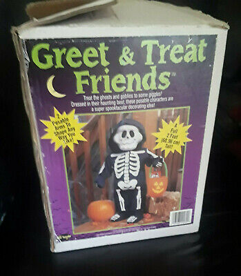 FUN WORLD - Halloween Greet & Treat Friends - Skeleton Child Greeter (2 Feet)