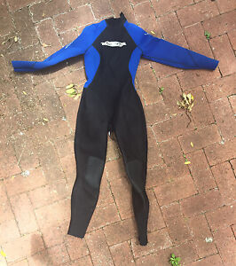 Small wetsuit East Fremantle Fremantle Area Preview