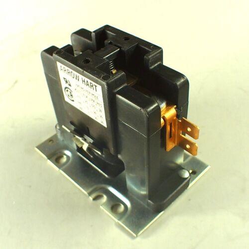 NEW Arrow Hart Magnetic Contactor 25A 30A 1 Pole 110/120V Coil 50/60 HZ C251U20