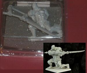 Bane-Lords-BNL-026-Uggurd-Falx-Brute-1-30mm-Resin-Miniature-Chaos-Warrior-NIB