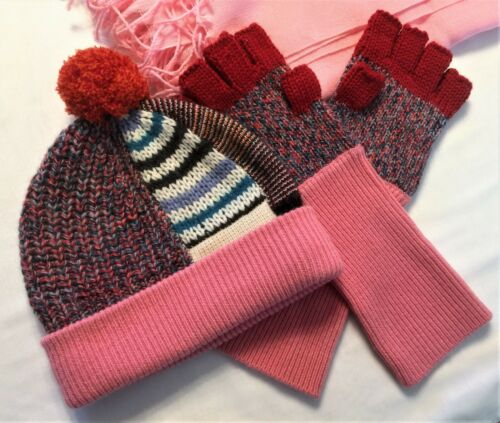Burberry Cashmere Knit pompom Hat and Fingerless Gloves + nobrand pashmina Scarf