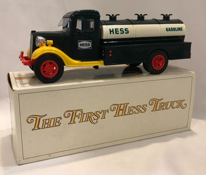 """1982 """"The First Hess Truck"""" in Original Box - Never Used - Lights Work"""