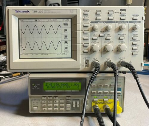 Tektronix TDS220 100MHz 1GS/S 2 Channel Digital Real-Time Oscilloscope