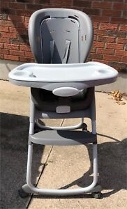 Highchair (with booster seat)