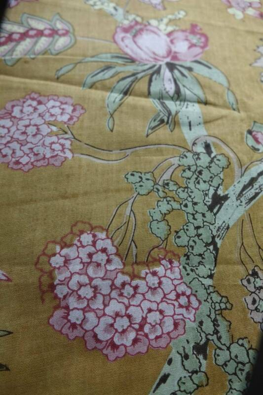 """Vintage French ochre & pink floral cotton fabric - 45"""" x 36"""""""