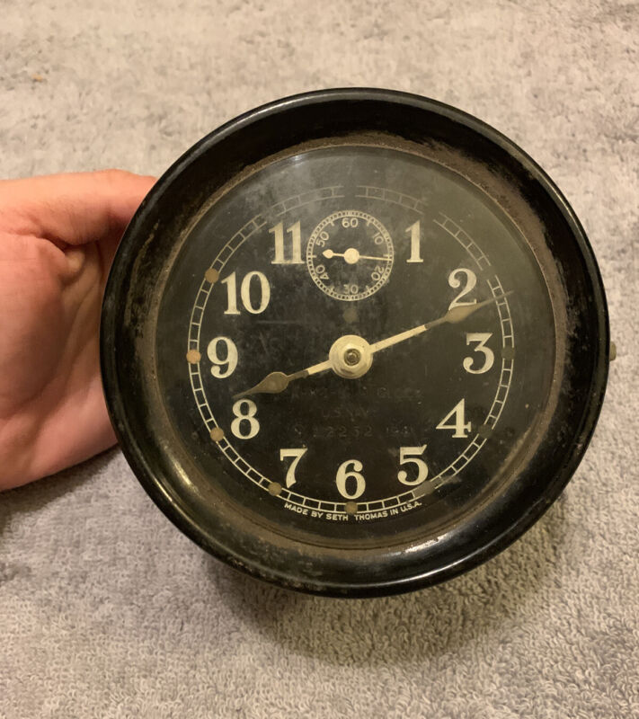 Vintage US Navy WWII Mark I Boat Clock Bakelite Case 12252. 1941 By Seth Thomas