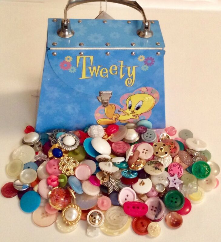 Vintage Looney Tunes Tweety Metal Purse With Craft Buttons