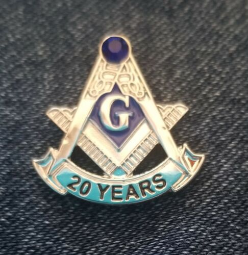 Masonic 20 year service lapel pin silver blue stone at the top
