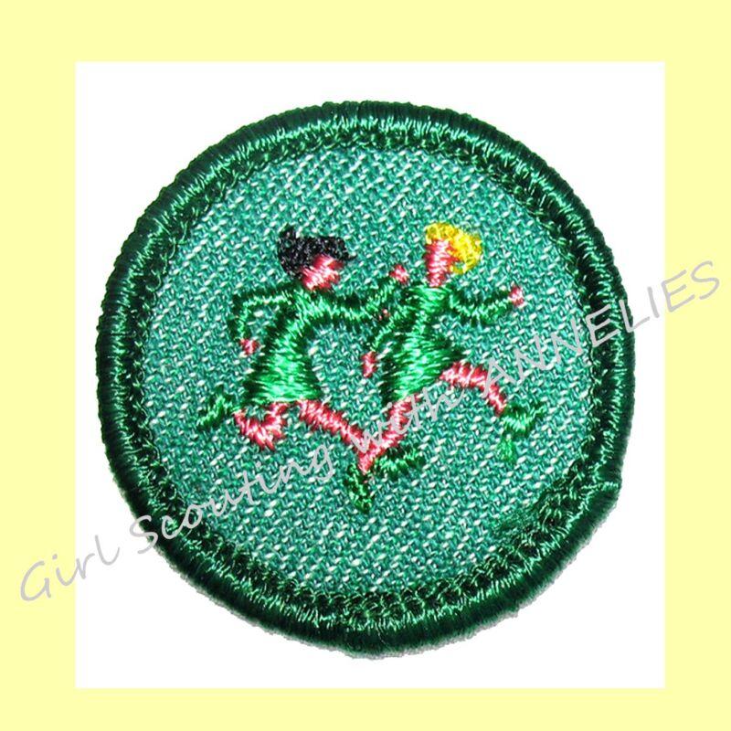 World GAMES 1950s Intermediate Girl Scout NEW Badge 2-GIRLS Running Combine Ship