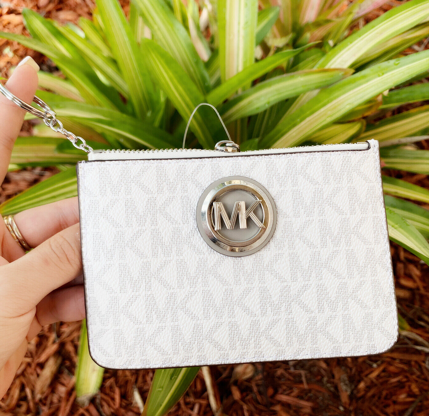 Michael Kors Jet Set Travel Small Top Zip Coin Pouch ID Holder Key Ring Wallet Fulton White MK Gray