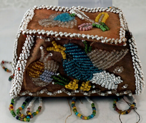 Antique Iroquois Beaded Box / Purse Beadwork Native American Flags Rare Design