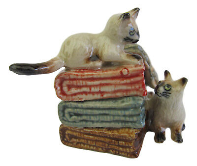Miniature Porcelain Cat Figurine Siamese Kittens on Blankets Approx 4cm HIgh