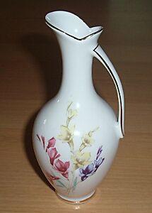 Porzellan Vase gemarkt - <span itemprop='availableAtOrFrom'>Wien, Österreich</span> - Porzellan Vase gemarkt - Wien, Österreich