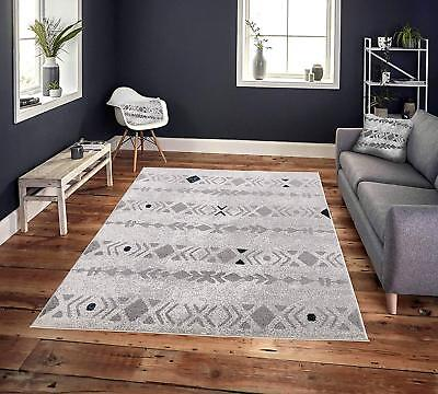 Cosi Collection Easy Clean Stain and Fade Resistant Grey Diamonds Area Rug 5'x7'