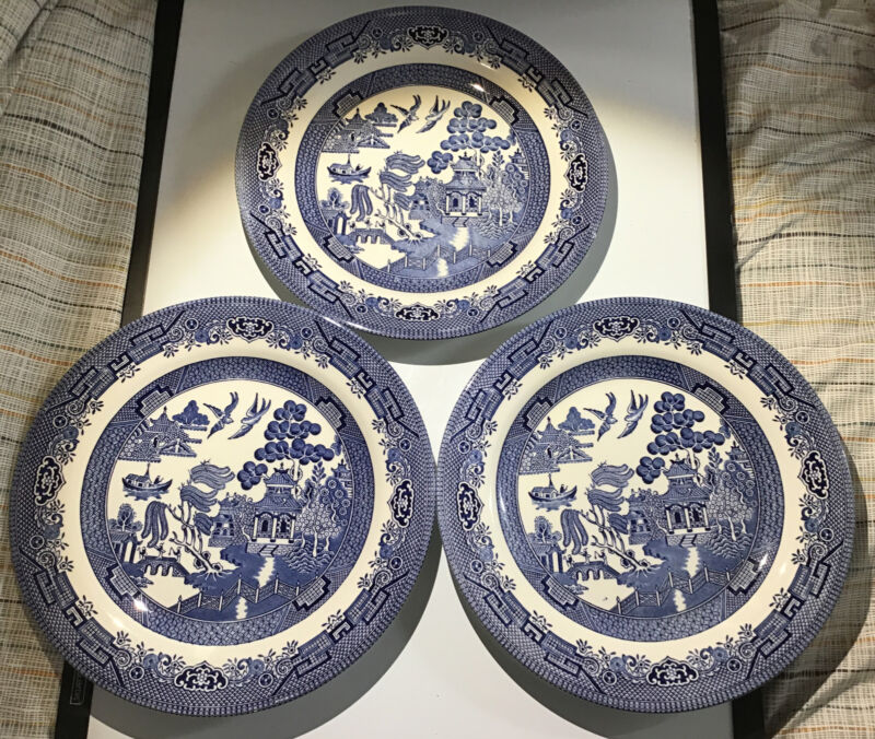 """Churchill - Blue Willow - QTY - 3 - Dinner plates -10 1/4"""" - EUC! BLUE AND WHITE"""