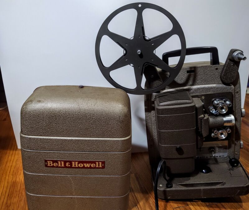 Vintage Bell & Howell Monterey 253 R 8MM Projector in Carrying Case