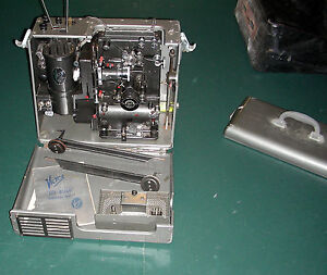Victor Animatophone Lite Weight 16mm film Movie Projector 1940s vintage sound