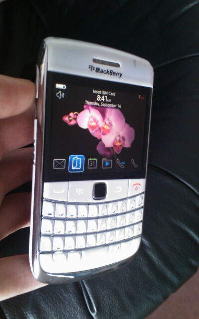 (WHITE) BlackBerry Bold 9700 + (UNLOCKED) + Excellent~ ON SALE !!! ( LAST ONE) ~