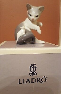 LLADRO Cat and Mouse figurine #5236 (retired) in original [old style] box