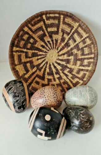 Handwoven Plate Basket  W/ Kenya Afrika 4+1 Hand Painted Stone Eggs Decorative