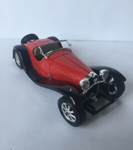 Diecast bugatti type 55 1/24th scale made in italy