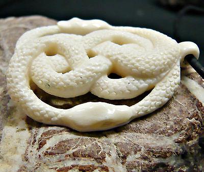 ANHÄNGER Knochen weiß mit Lederband Schlangen Auryn Amulett AK68 LARP