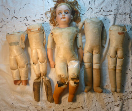 LOT of 5 ANTIQUE KID LEATHER BODIES and DOLL A.M. 7 DUCHESS FOR PARTS