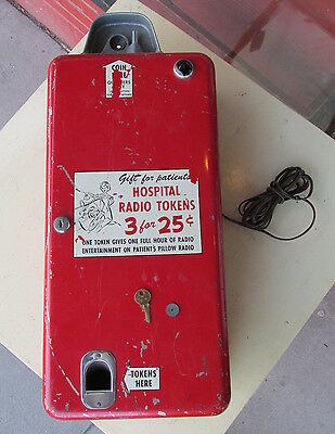 COIN TOKEN CHANGER Hospital Radio 1950s Original Rare Coin-Op w Key
