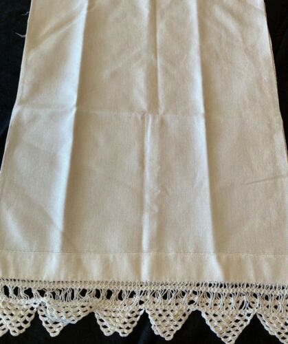 """ANTIQUE HAND MADE HEAVY LINEN AND CROCHET LACE  SHOW TOWEL~UNUSED~16"""" w X 43"""" L"""