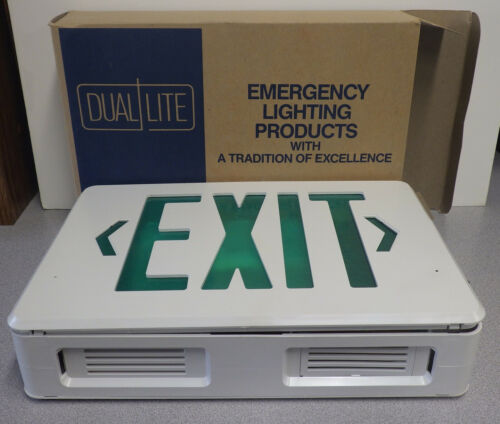 Exit Sign with Covert Camera WDE-600