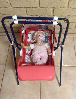 Dolls swing with removable bassinet carrier