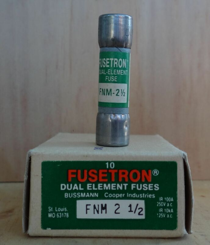 EIGHT COUNT FUSETRON DUAL ELEMENT FUSES FNM 2 1/2  250 VOLTS