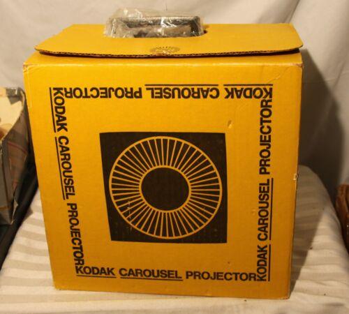 Vintage KODAK CAROUSEL 650H Projector w/ remote, box