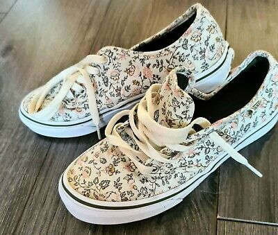 Womens shoes size 4 Vans