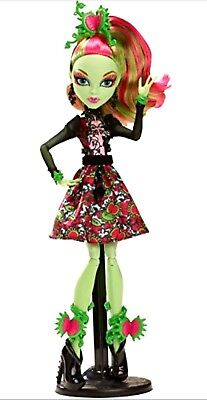 Play Dollset Monster High Gloom AND Bloom Venus McFlytrap Character Dolls - New Monster High Characters