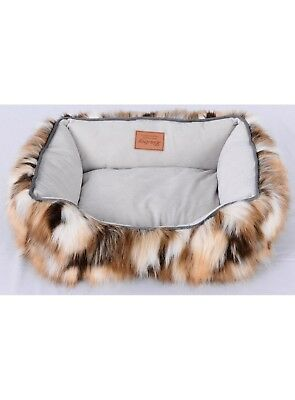 Faux Fur Dog Bed (Lindsey Home Faux Fur Pet Dog Cat Warm Winter Bed Japanese Kanekalon Camel MED )