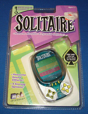 Solitaire Klondike   Pyramid Electronic Card Game Keychain Mga Travel Key Ring