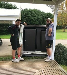 2 experienced removalists ready to help you moving!