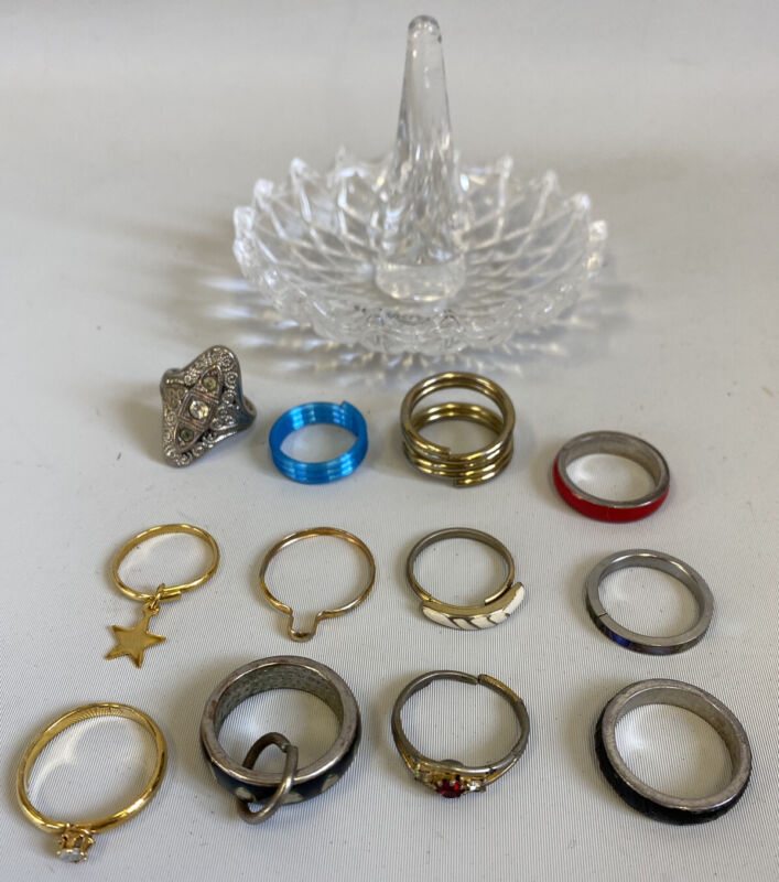 Vintage Lot Costume Jewelry 12 Rings And Ring Holder Display Dish Wholesale
