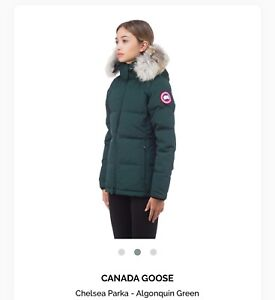 New Women's Canada Goose Chelsea Parka (size small)