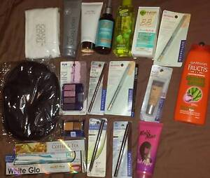 Womens Makeup/Haircare Bundle. BARGAIN! Valley View Salisbury Area Preview