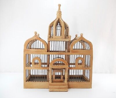 """Painted Wood & Wire Decorative Bird Cage. 19.5""""   Clean-Out Pan"""