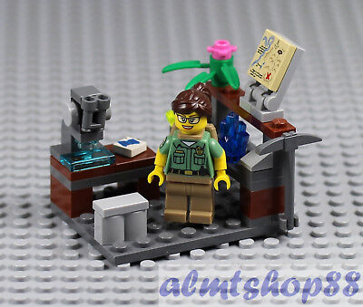 LEGO - Science Lab w/ Geologist & Microscope - Scientist Minifigure Rock 21110