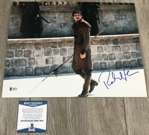 PEDRO PASCAL SIGNED GAME OF THRONES 11x14 PHOTO w/PROOF & BECKETT BAS COA