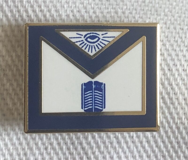 Masonic Apron Chaplain Lapel Pin Rare