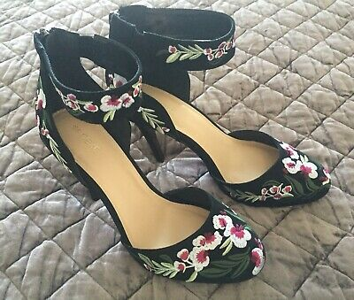 Ladies NEXT Black Floral Embroidered Stilleto Heels/Shoes - Size 6.5 UK - Ex Con