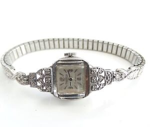 VINTAGE 1950's 12 DIAMOND TRADITIONAL LADIES COCKTAIL WATCH 21 JEWELS / BRACELET