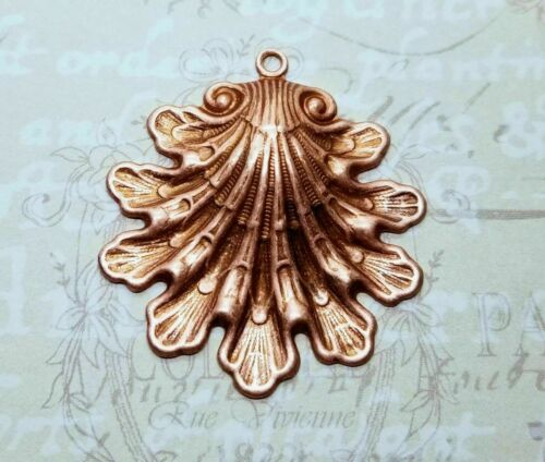 Large Brass Victorian Shell Charm x 1 - 4769S